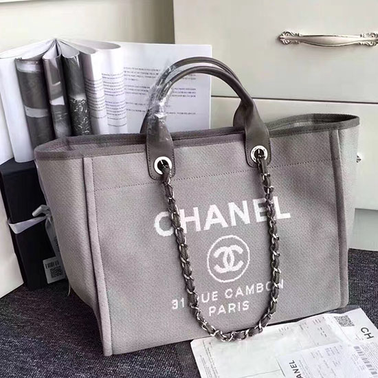 f9772dff866a9e Chanel Canvas Tote Shopping Bag | Ville du Muy